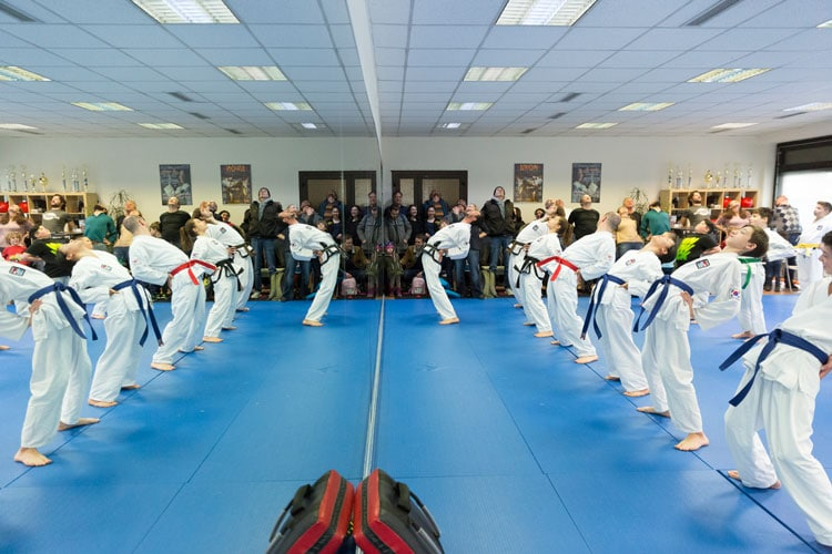 Taekwondo für Jugendliche in Freiburg und Zürich